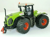Claas Xerion 5000  1:32