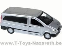Bburago - Mercedes-Benz Vito - Van / Lichte Vracht - Zilver  1 32
