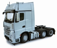 MarGe Models - Mercedes Benz Actros Gigaspace 6x2 - Silver  1 32