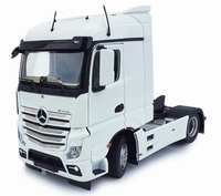 MarGe Models - Mercedes-Benz Actros Streamspace 4x2 - White  1 32