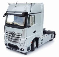 MarGe Models - Mercedes-Benz Actros Gigaspace 4x2 -Silver  1 32