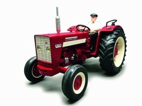 Replicagri - International 624 2WD with driver   1 16