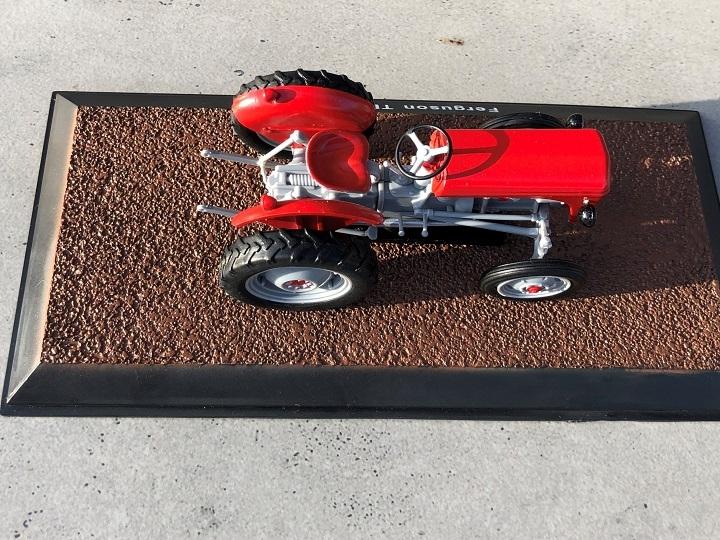Ferguson TE20 - Red/Grey