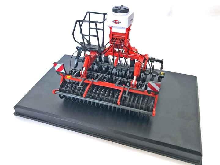 Replicagri - KUHN Optimer+ 303 + SH 201 Seed Hopper