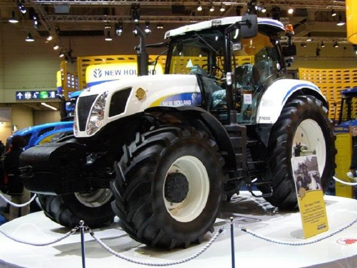 """ROS - New Holland T7050 - Limited """"Vatican"""" Edition 750 pcs"""