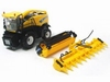 ERTL - New Holland FR9090 met maisbek en gras pickup  1 32